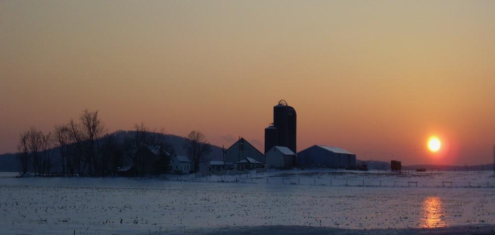 Winter-Mase-farm-sunset